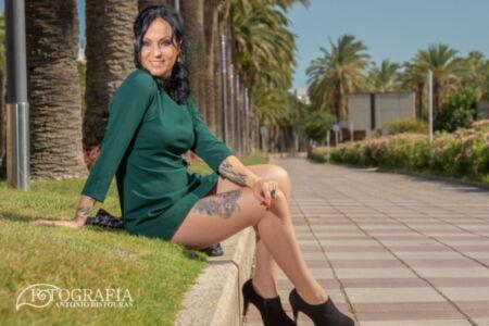 Divertida sesión fotográfica en exteriores con Iris. Salou, Tarragona