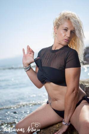 Sesión fotográfica en exteriores Susana X. Playa, bikini