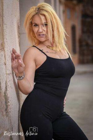 Sesión fotográfica glamour privada en exteriores Susana