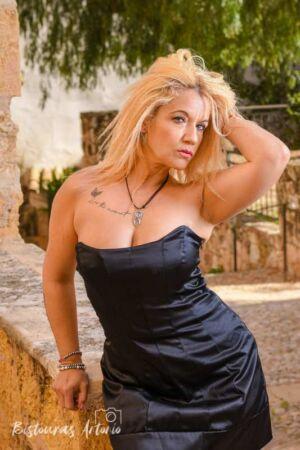 Sesión fotográfica glamour en exteriores con Susana